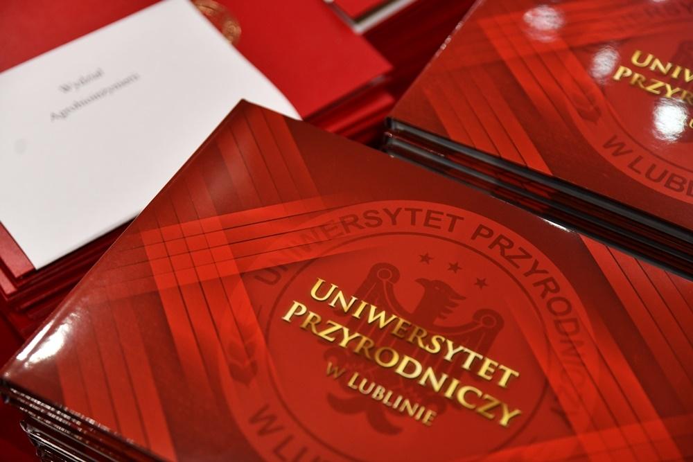 Tytuł Doktora Honoris Causa UPwL dla JE Abp. S. Budzika i promocje doktorów habilitowanych