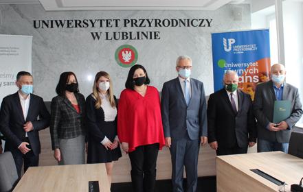 UP i Państwowy Fundusz Rehabilitacji Osób Niepełnosprawnych podpisały porozumienie - TVP 3 LUBLIN