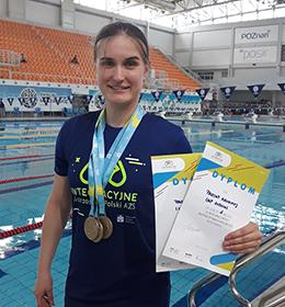 Sukces studentki Pauliny Kaweckiej Integracyjnych Mistrzostwach Polski AZS w Pływaniu